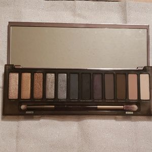 Urban Decay Makeup - Naked Smoky Palette